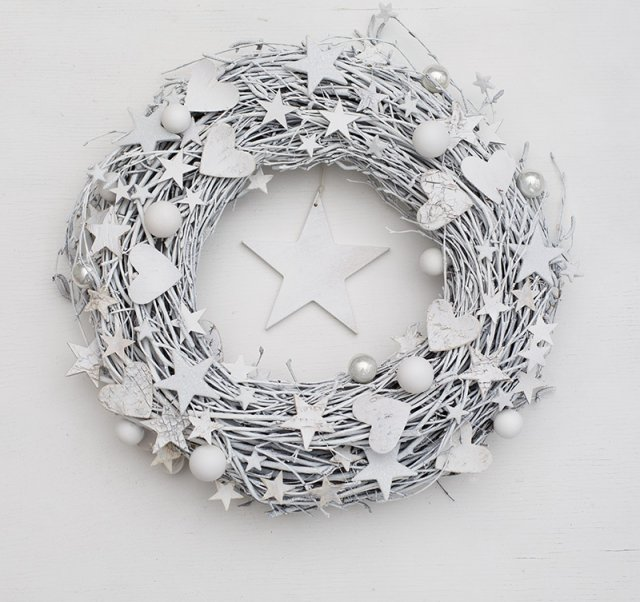 Pinterest Wreath Inspiration white DecoBazaar Botanika Studio