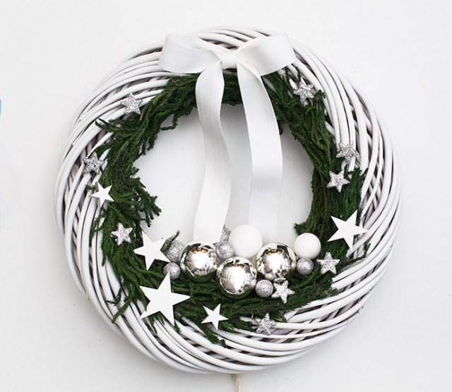 Pinterest Inspiration White wreath DecoBazaar Botanika Studio
