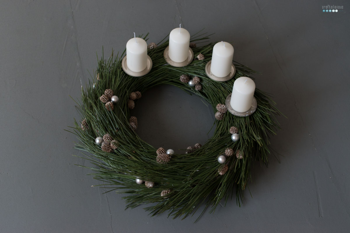 pine needle advent wreath | krank aus tannen nadeln