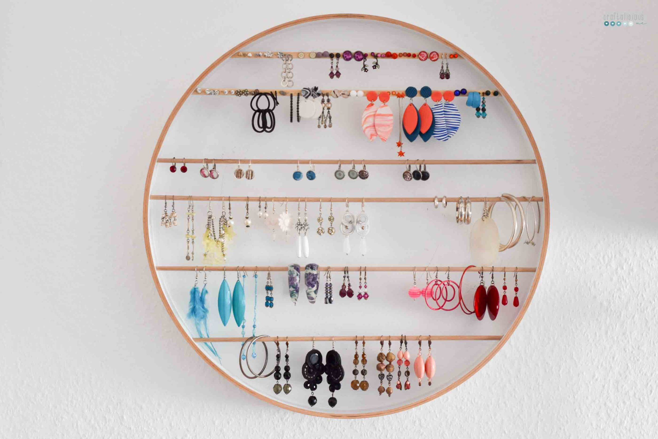 craftaliciousme seeking creative life DIY jewelry display