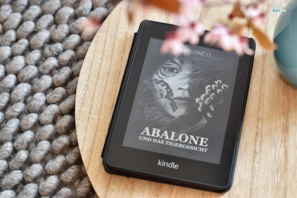 kindle book with cherry blossom books I read in march craftaliciousme seeking creative life abalone und das tiegergesicht